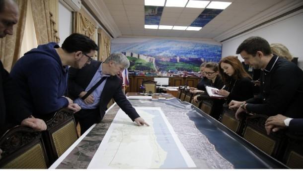 Сеть маникюрных салонов OPILKI стала официальным партнером Петербургской недели